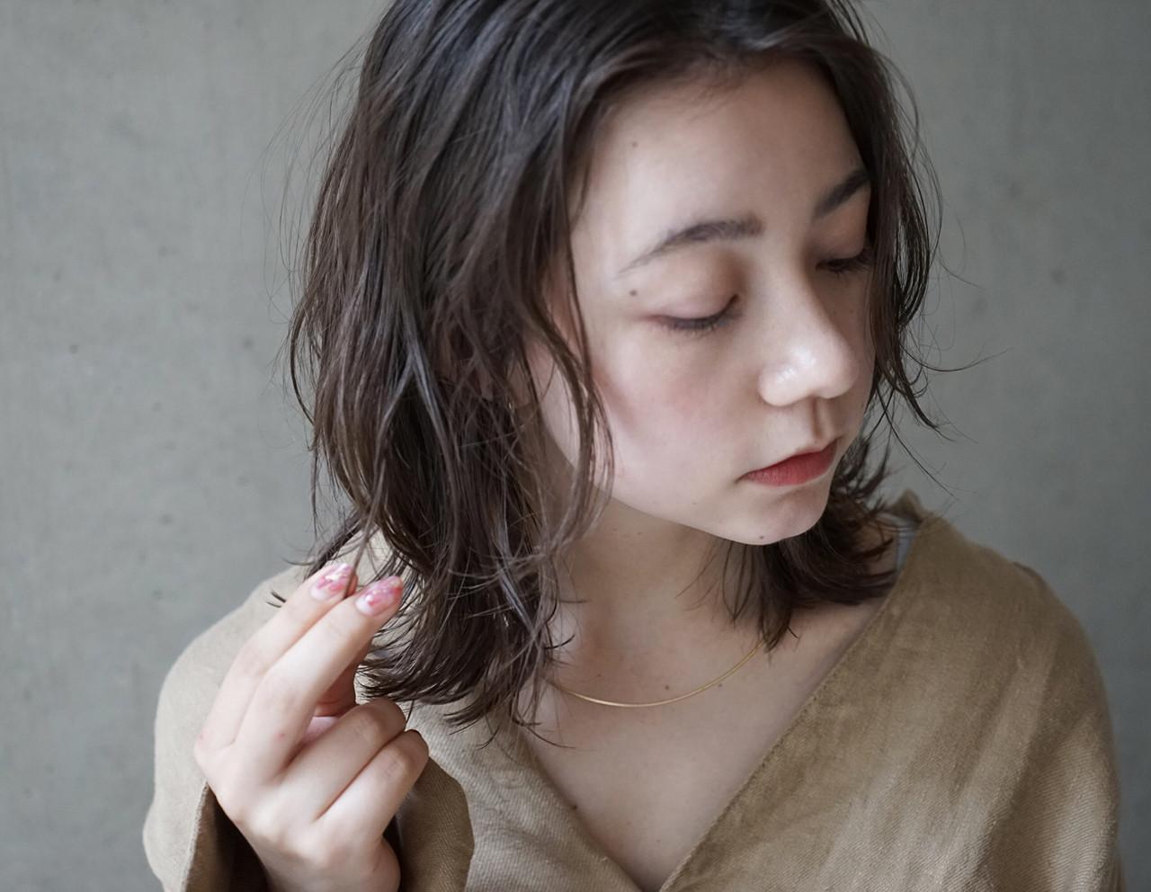 バーム 透明感 ミディアム ナチュラル ヘアスタイルや髪型の写真・画像