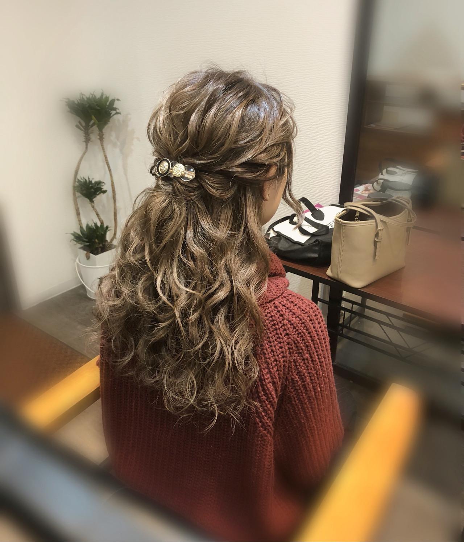 フェミニン ロング ヘアアレンジ 編み込み ヘアスタイルや髪型の写真・画像
