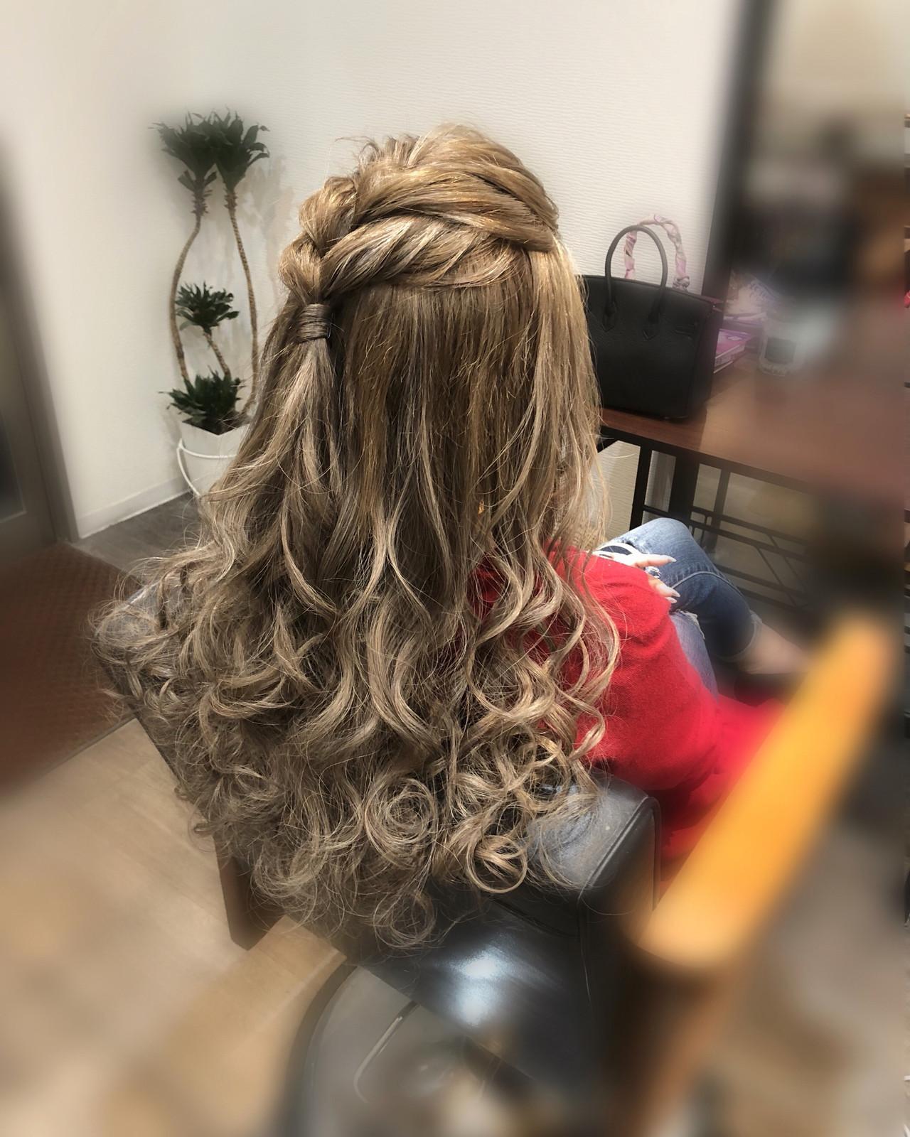 ヘアアレンジ ハーフアップ 前髪アレンジ フェミニン ヘアスタイルや髪型の写真・画像