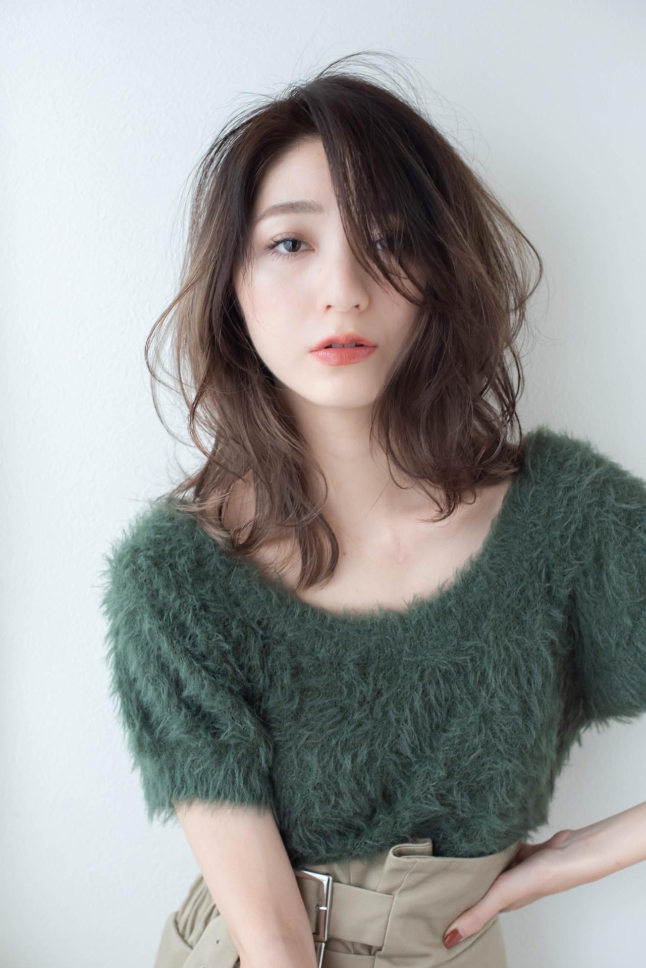 ミディアム コンサバ アッシュ 大人女子 ヘアスタイルや髪型の写真・画像