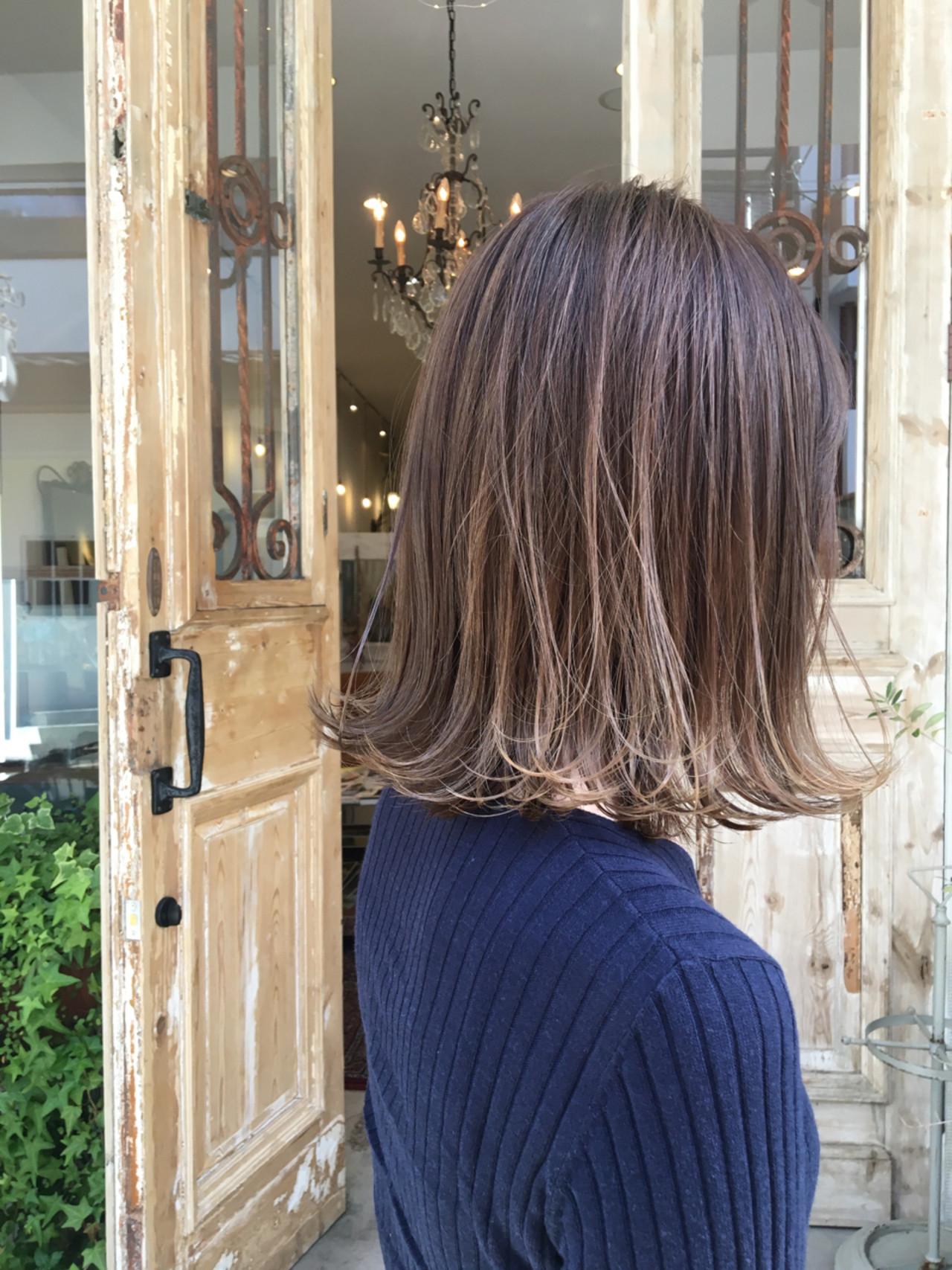 フェミニン 透明感 ローライト 外国人風カラー ヘアスタイルや髪型の写真・画像