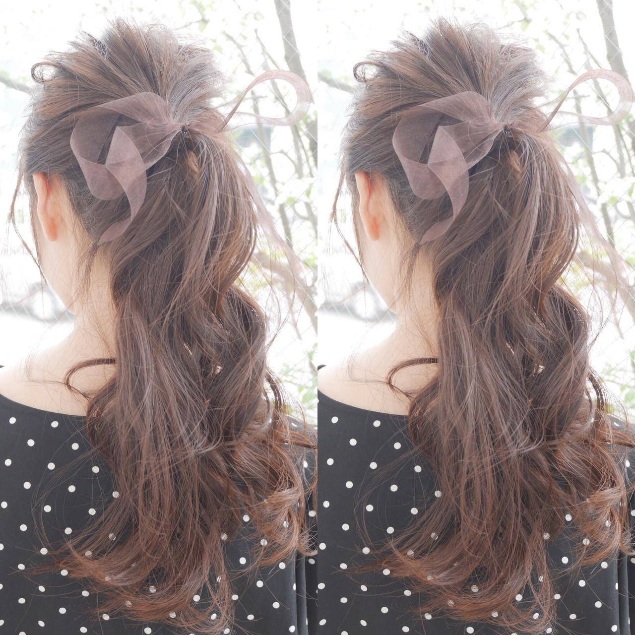 ポニーテール 簡単 ロング フェミニン ヘアスタイルや髪型の写真・画像