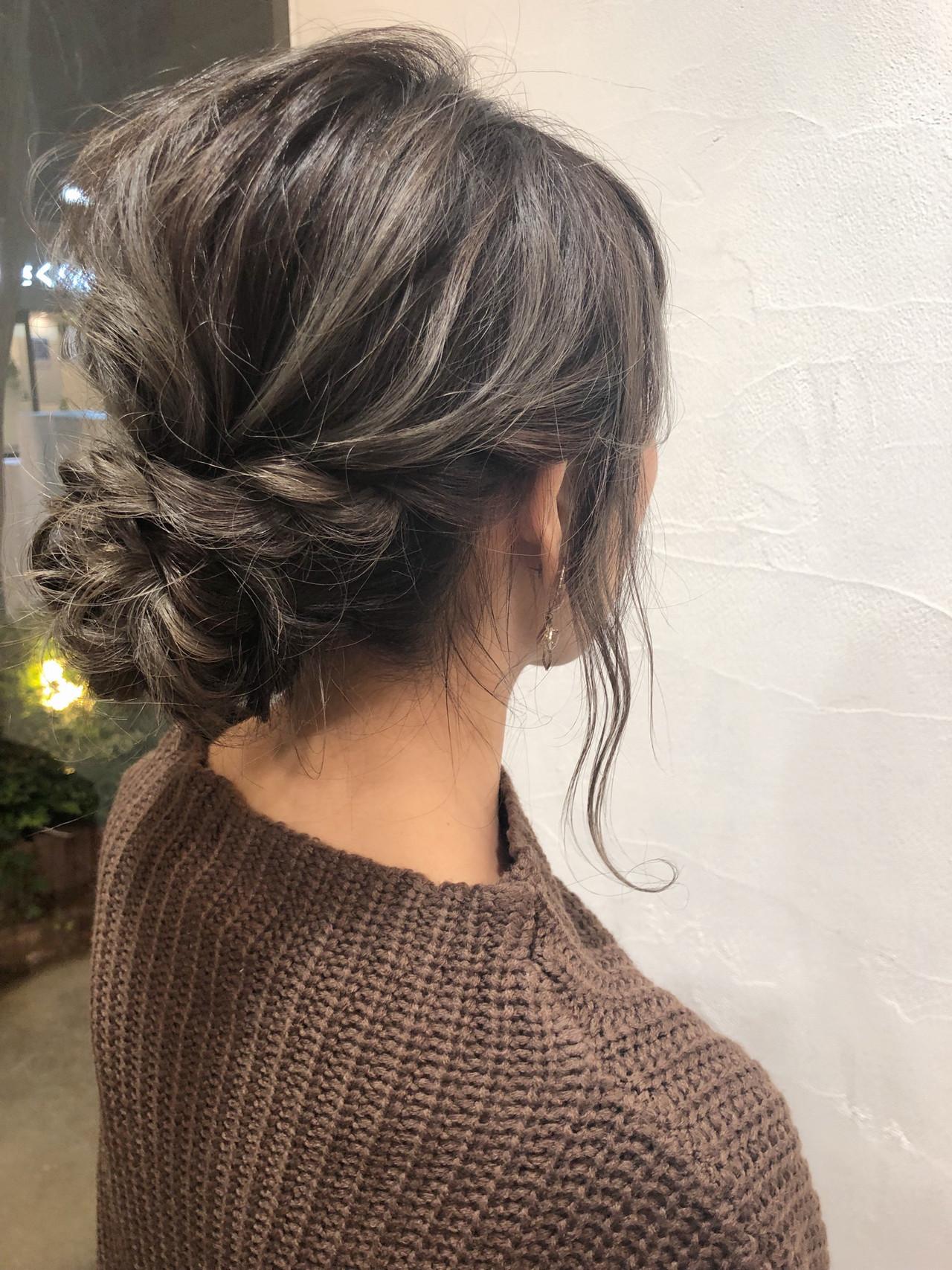 ミディアム モード デート グレージュ ヘアスタイルや髪型の写真・画像