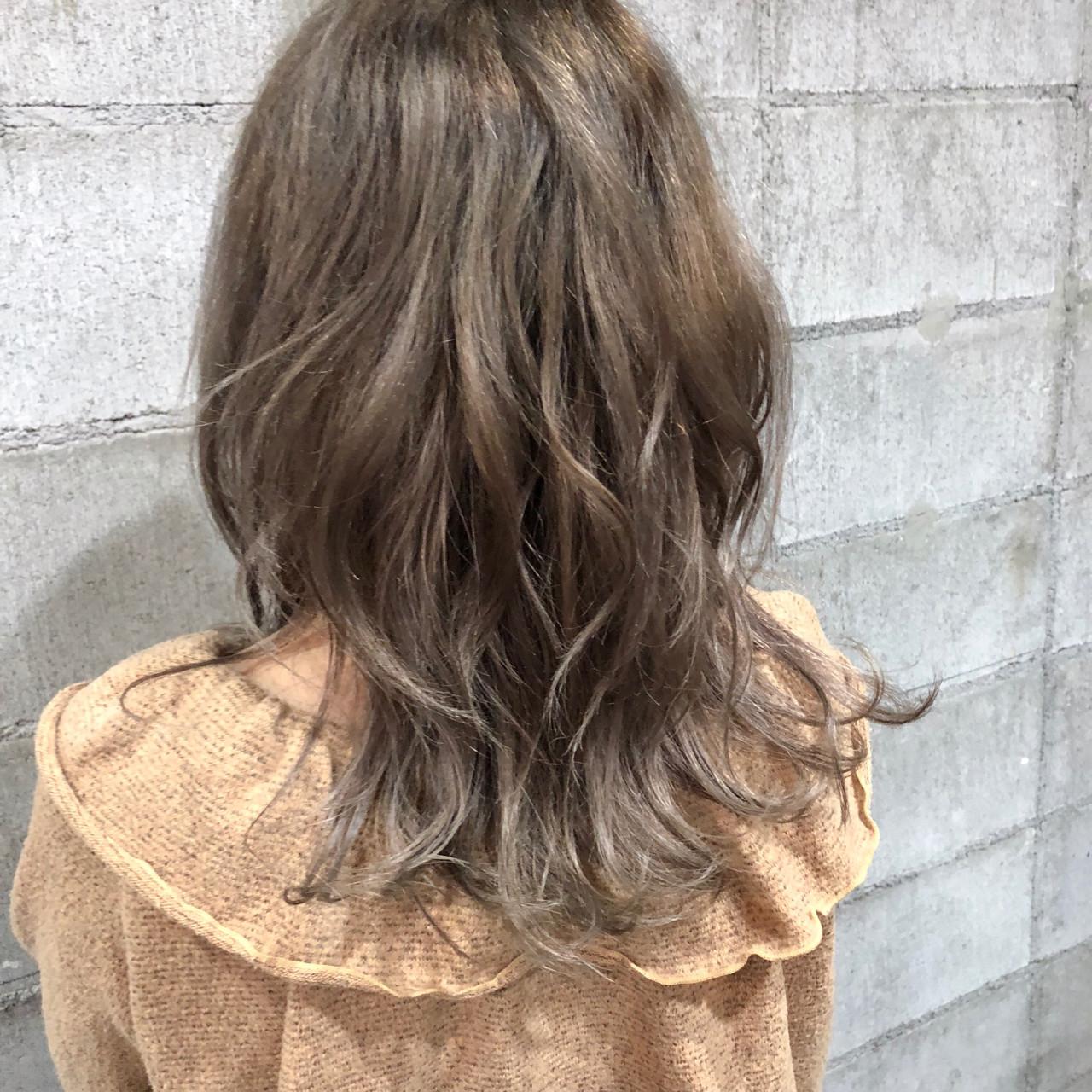 ウェーブ グラデーションカラー ロング ナチュラル ヘアスタイルや髪型の写真・画像