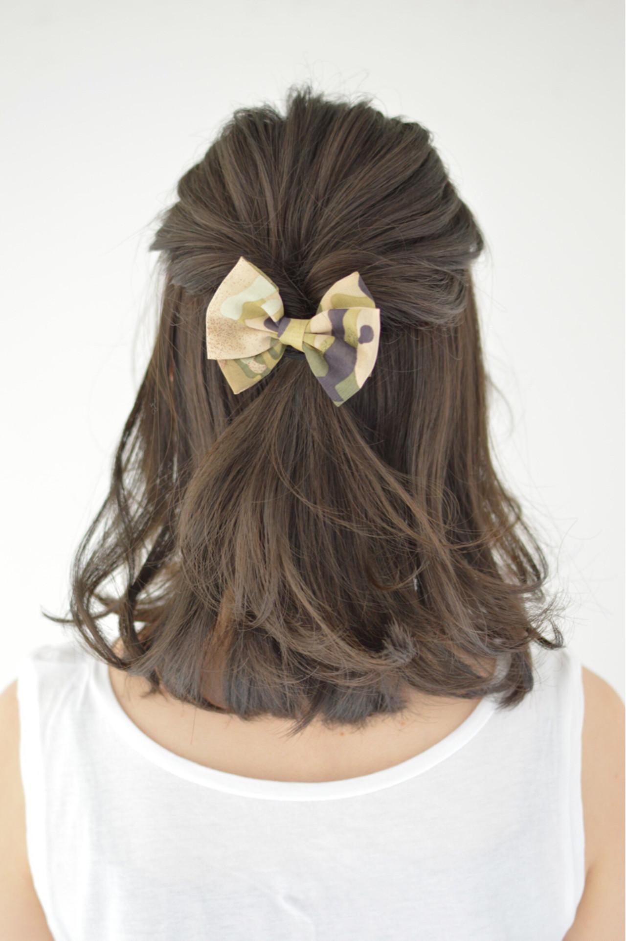 ハーフアップ くせ毛風 ヘアアレンジ ミディアム ヘアスタイルや髪型の写真・画像