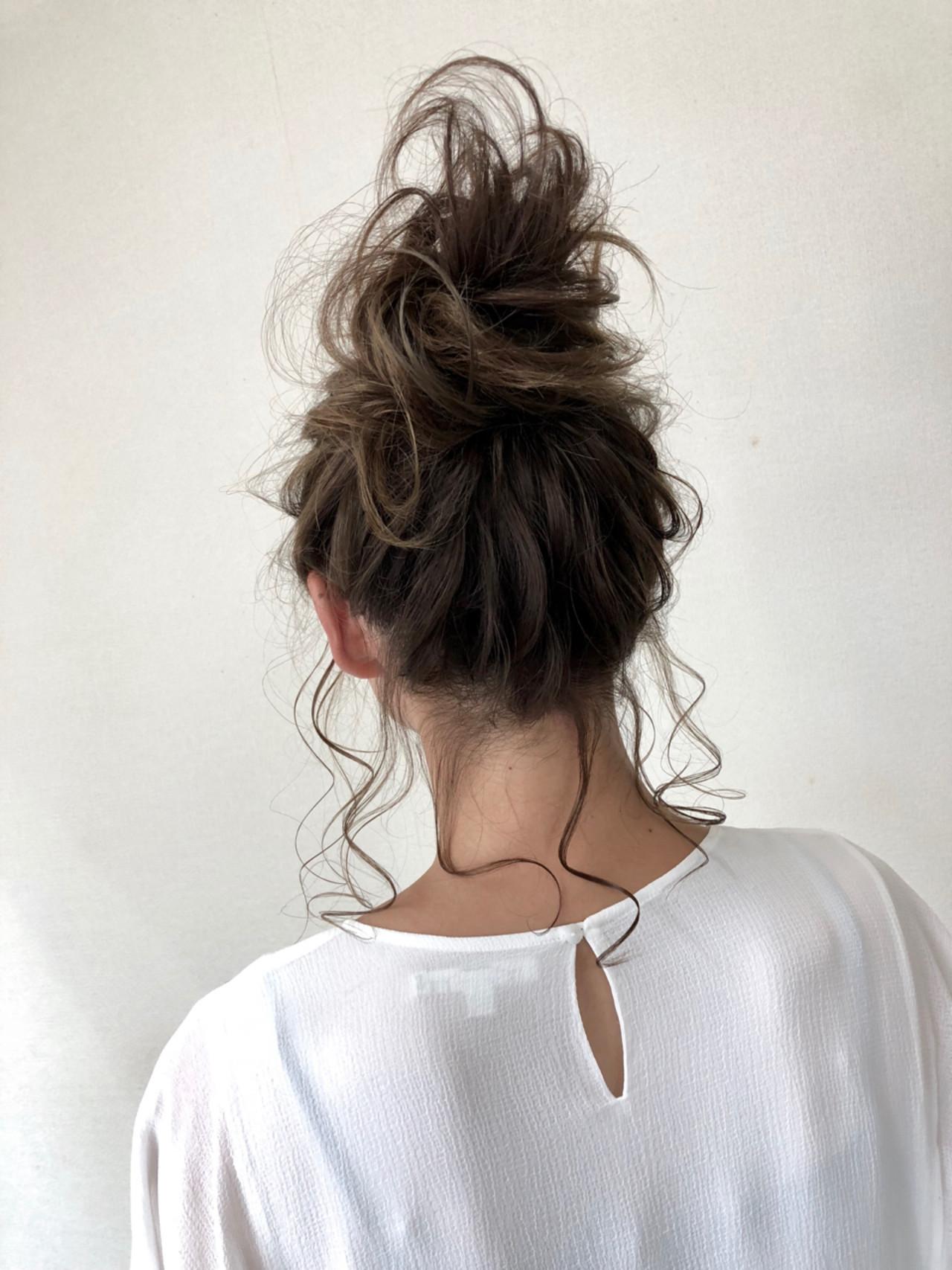 フェミニン ゆるふわ ヘアアレンジ ミディアム ヘアスタイルや髪型の写真・画像