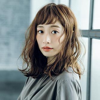 """【VOCE12月号 Topics4】BUZZなヘアで女子力をアゲる!""""ふんわりウェーブ"""""""