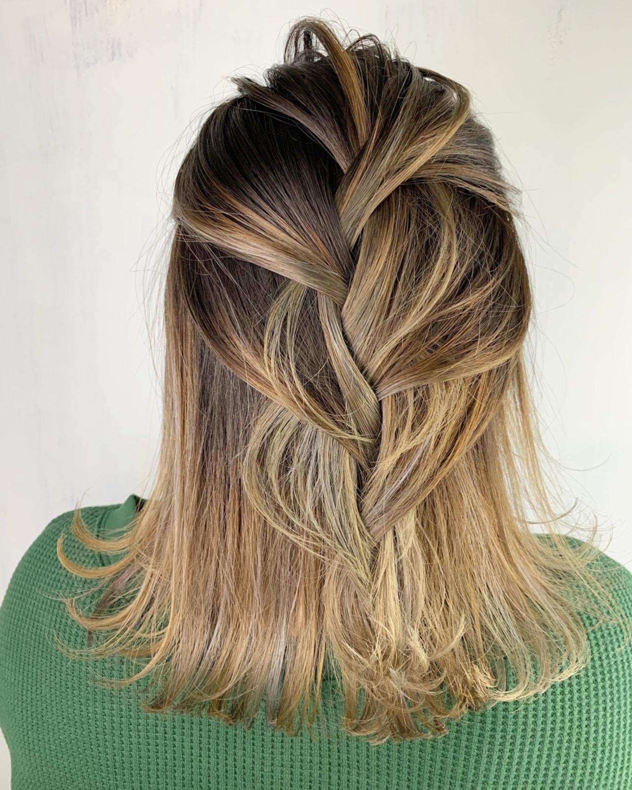 ヘアアレンジ 簡単ヘアアレンジ バレイヤージュ ミディアム ヘアスタイルや髪型の写真・画像