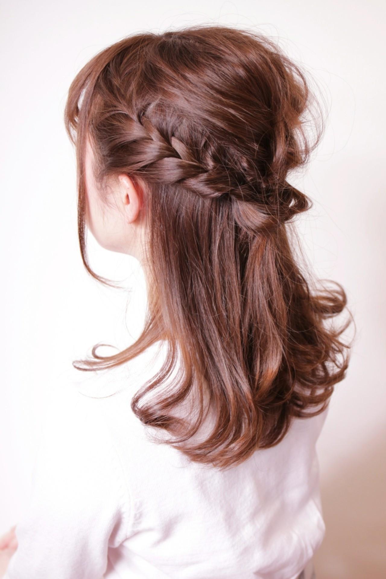 編み込み ミディアム ハーフアップ リラックス ヘアスタイルや髪型の写真・画像