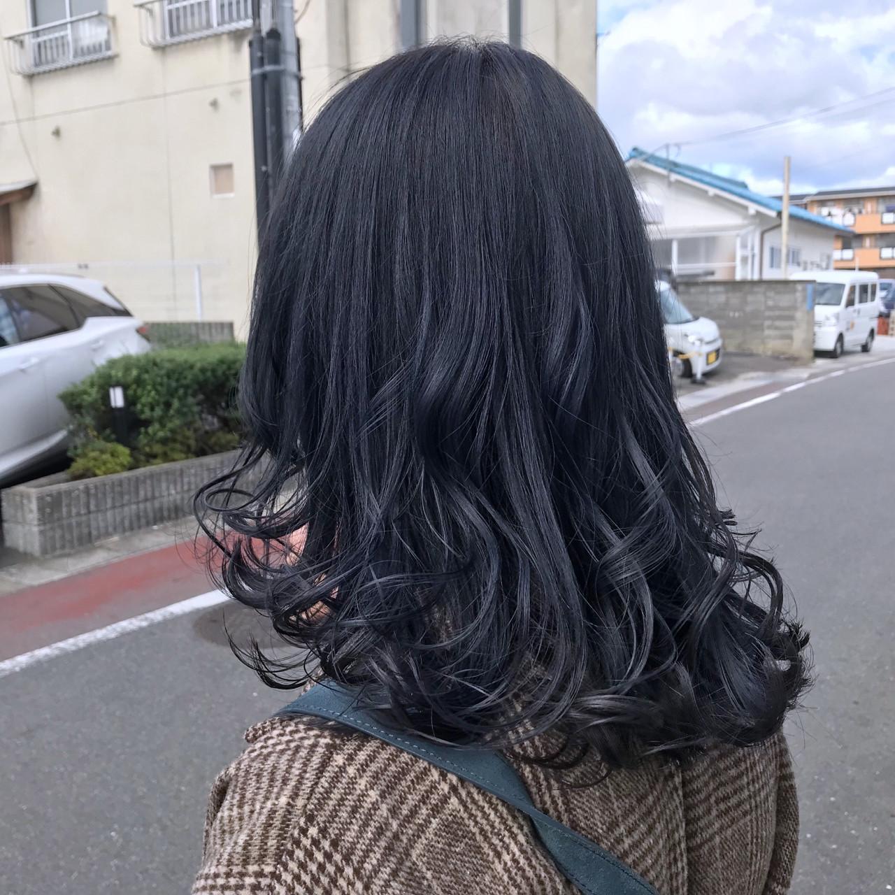 ウェーブ グレー ゆるふわ ストリート ヘアスタイルや髪型の写真・画像