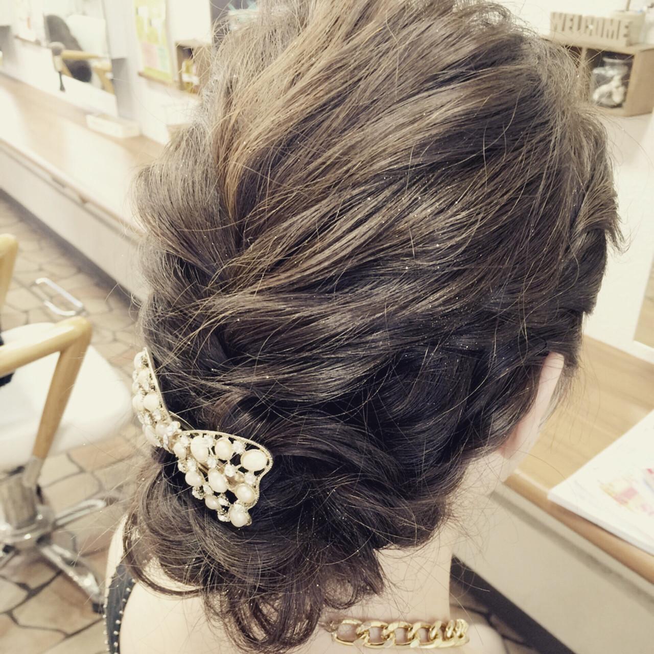 ミディアム 簡単ヘアアレンジ まとめ髪 ふんわり ヘアスタイルや髪型の写真・画像