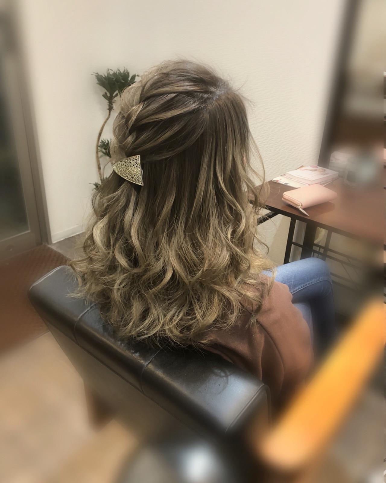 編み込み フェミニン ヘアアレンジ ハーフアップ ヘアスタイルや髪型の写真・画像