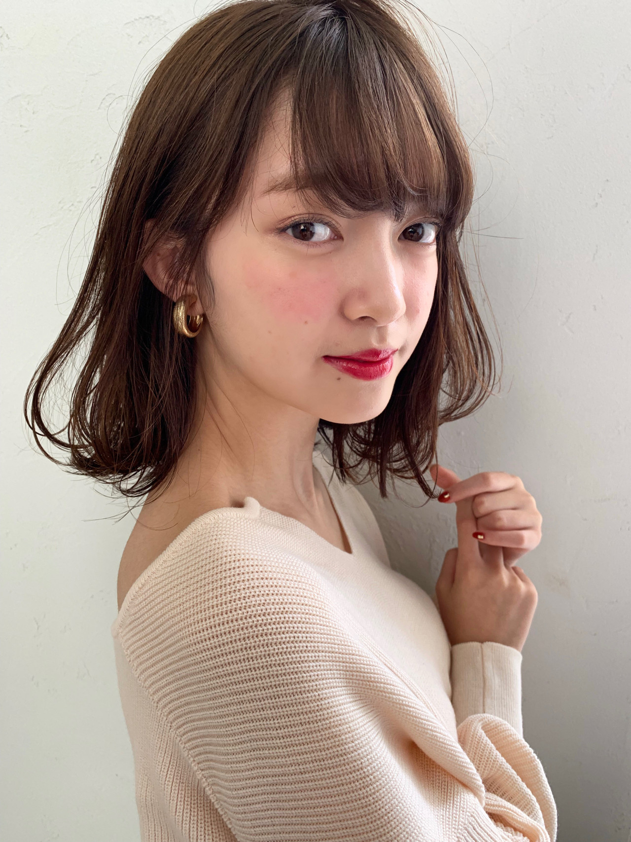 控えめウェーブで柔らかな大人美人の雰囲気に♡ 信澤貴一【愛されモテ髪美容師】