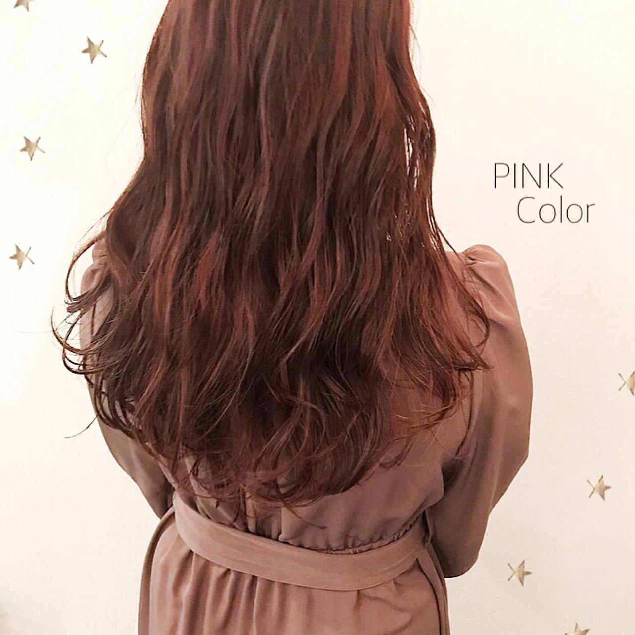 ロング ストリート ハイライト ピンク ヘアスタイルや髪型の写真・画像