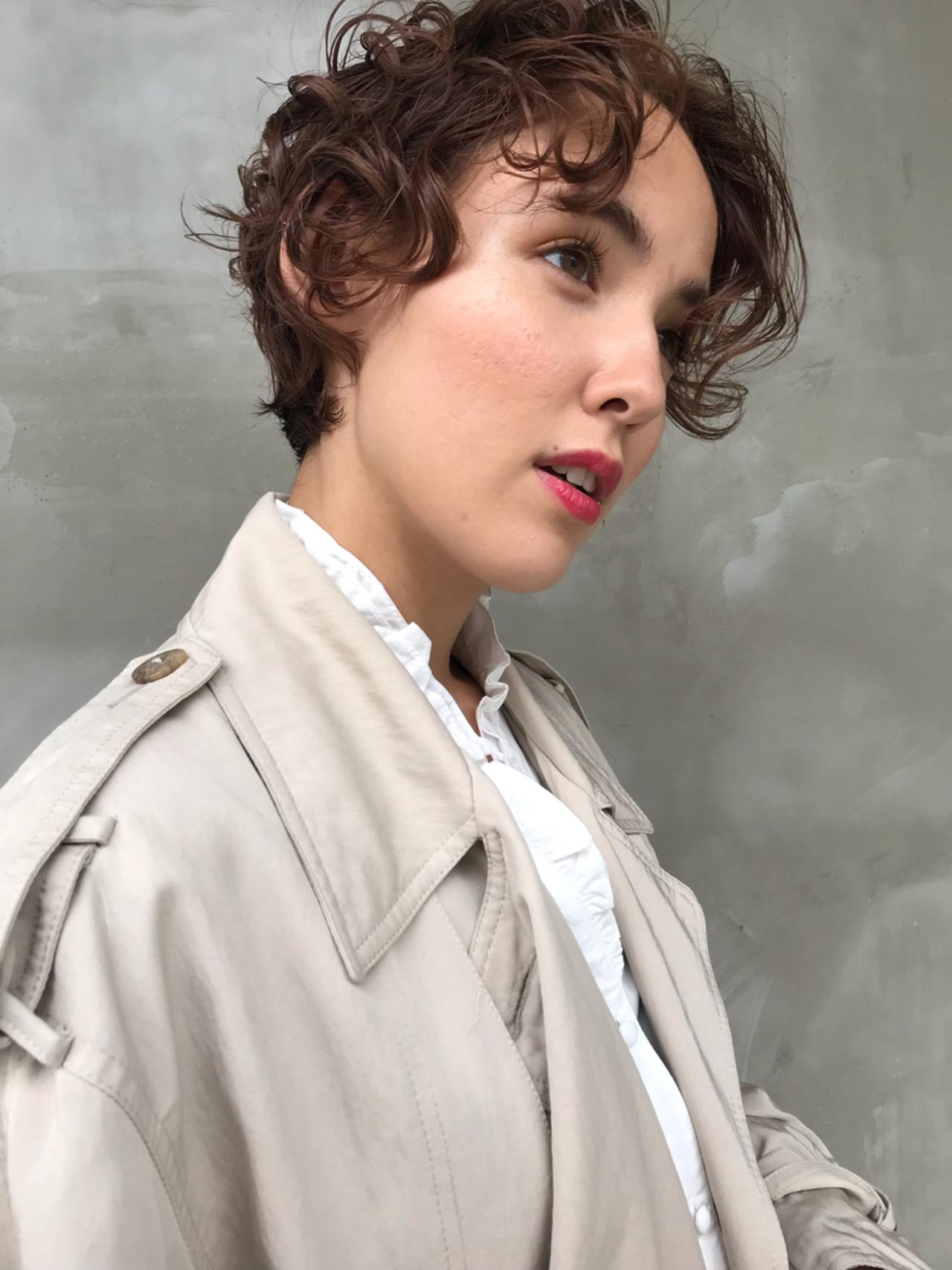 パーマ アッシュベージュ 透明感 ショート ヘアスタイルや髪型の写真・画像