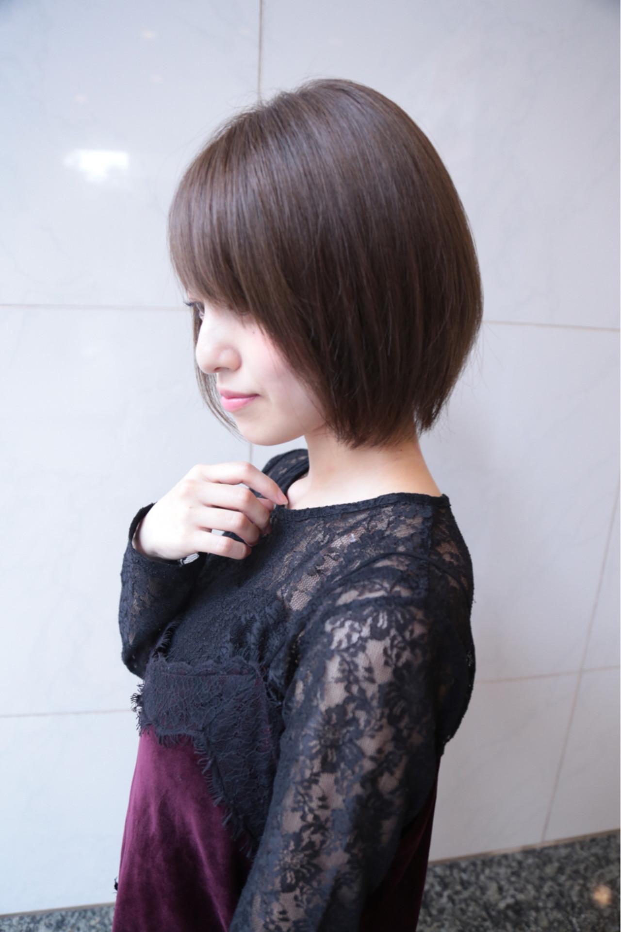 大人女子 小顔 ショート ナチュラル ヘアスタイルや髪型の写真・画像