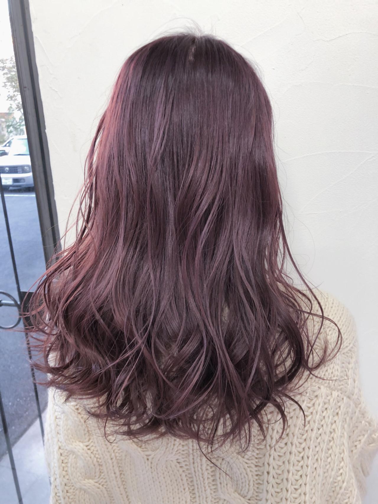 ベリーピンク フェミニン セミロング ベージュ ヘアスタイルや髪型の写真・画像