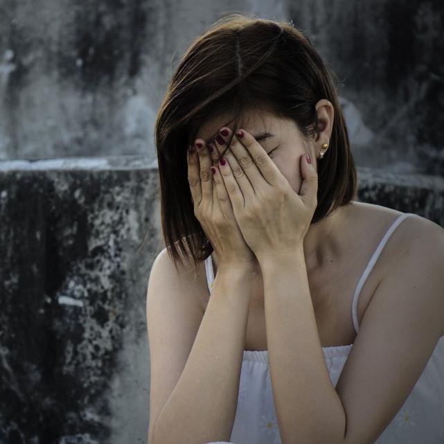 恋愛するのが怖い!なぜ男性とうまく付き合えない…?その原因は〇〇かも