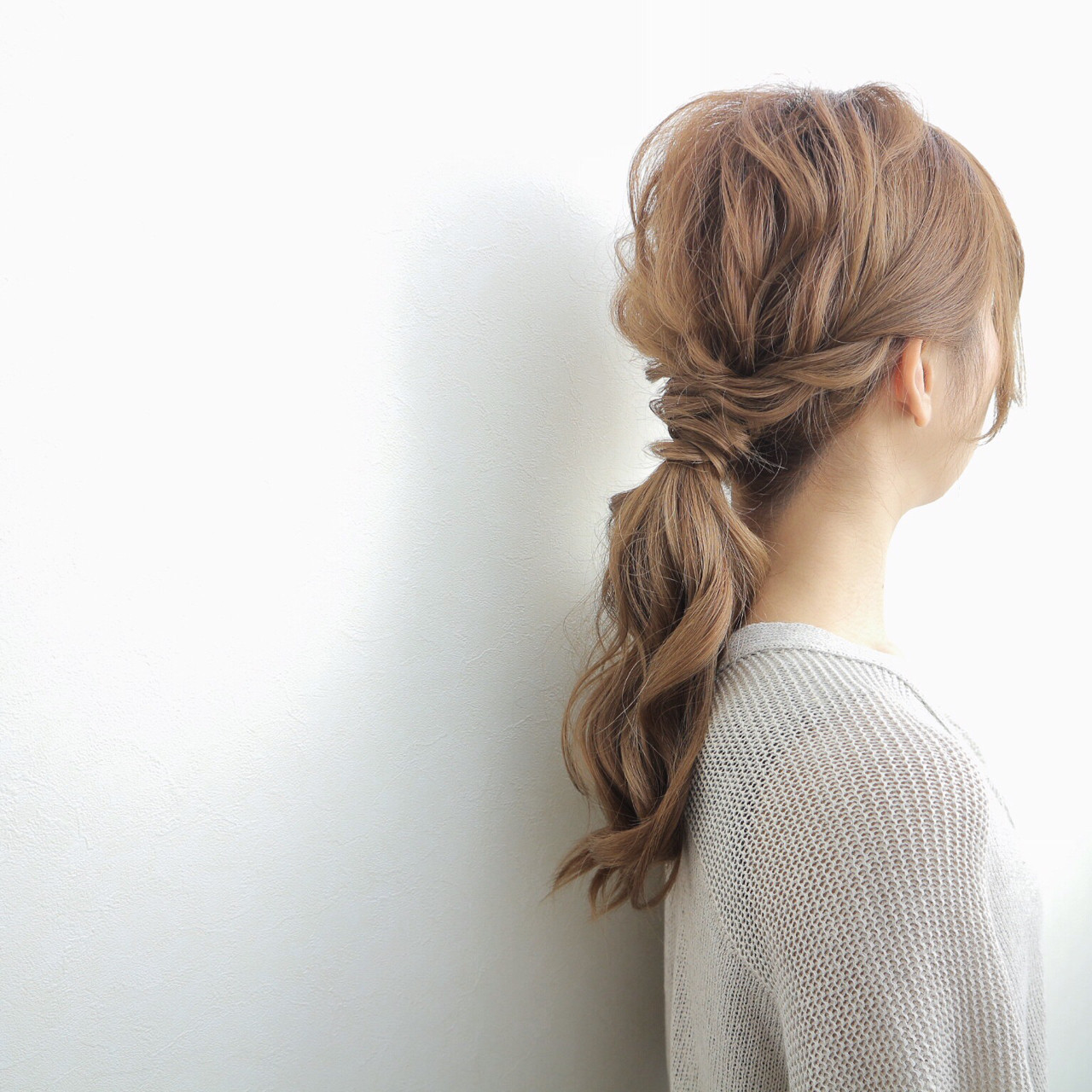 フェミニン ゆるふわ デート ローポニーテール ヘアスタイルや髪型の写真・画像