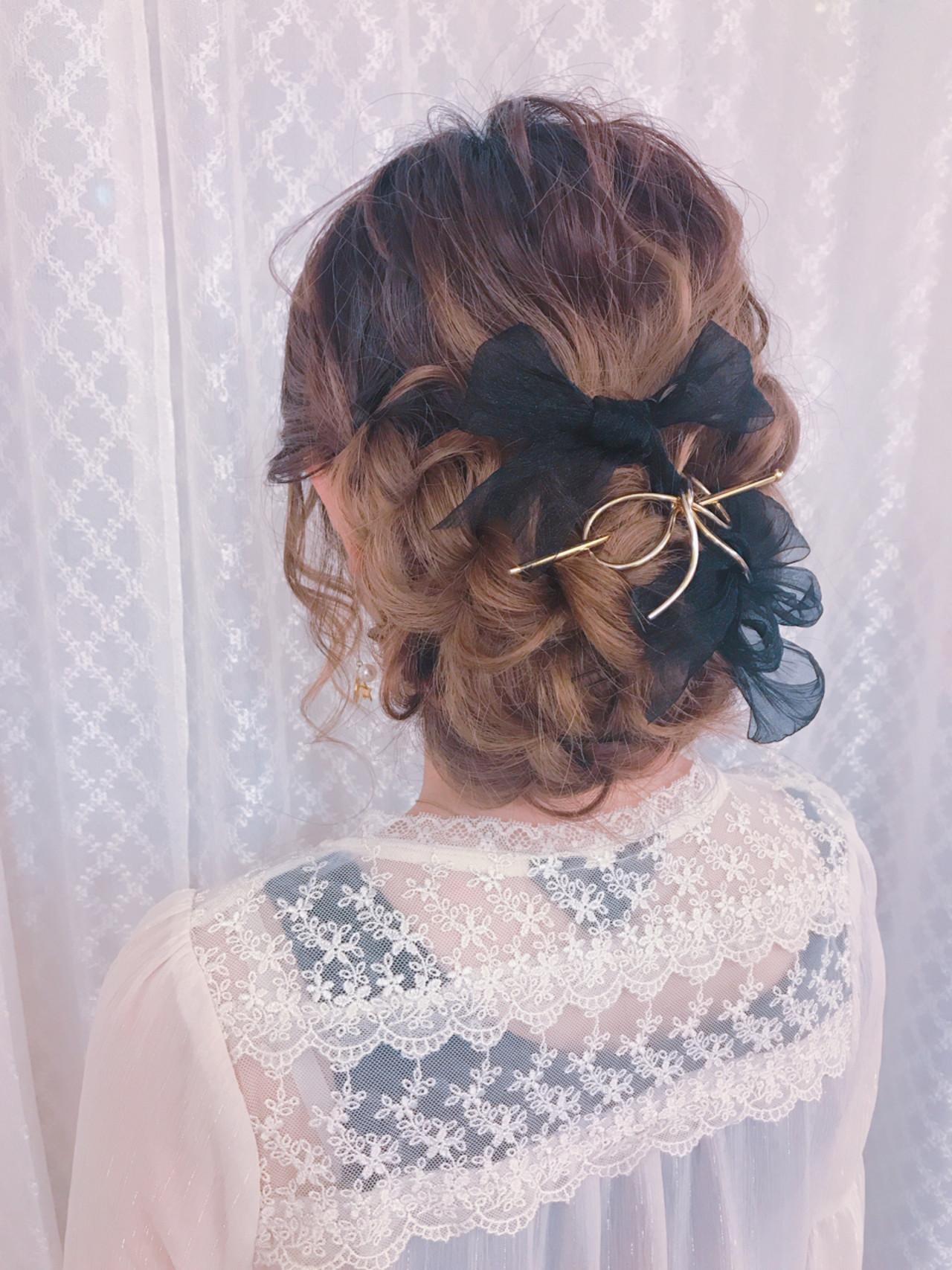 リボンとの相性もいい♡ゴールドのヘアアクセサリー 大平 結花