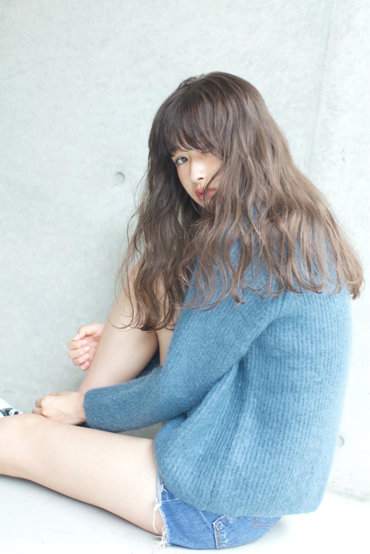 冬 アッシュ アンニュイ パーマ ヘアスタイルや髪型の写真・画像