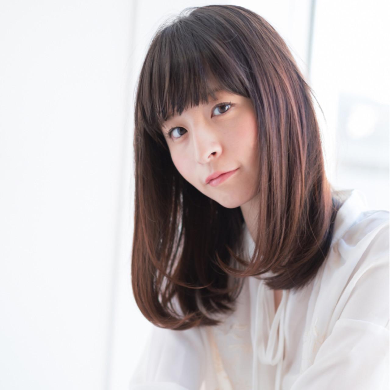 バッチリ小顔のぱっつん前髪ミディストレート 東 純平