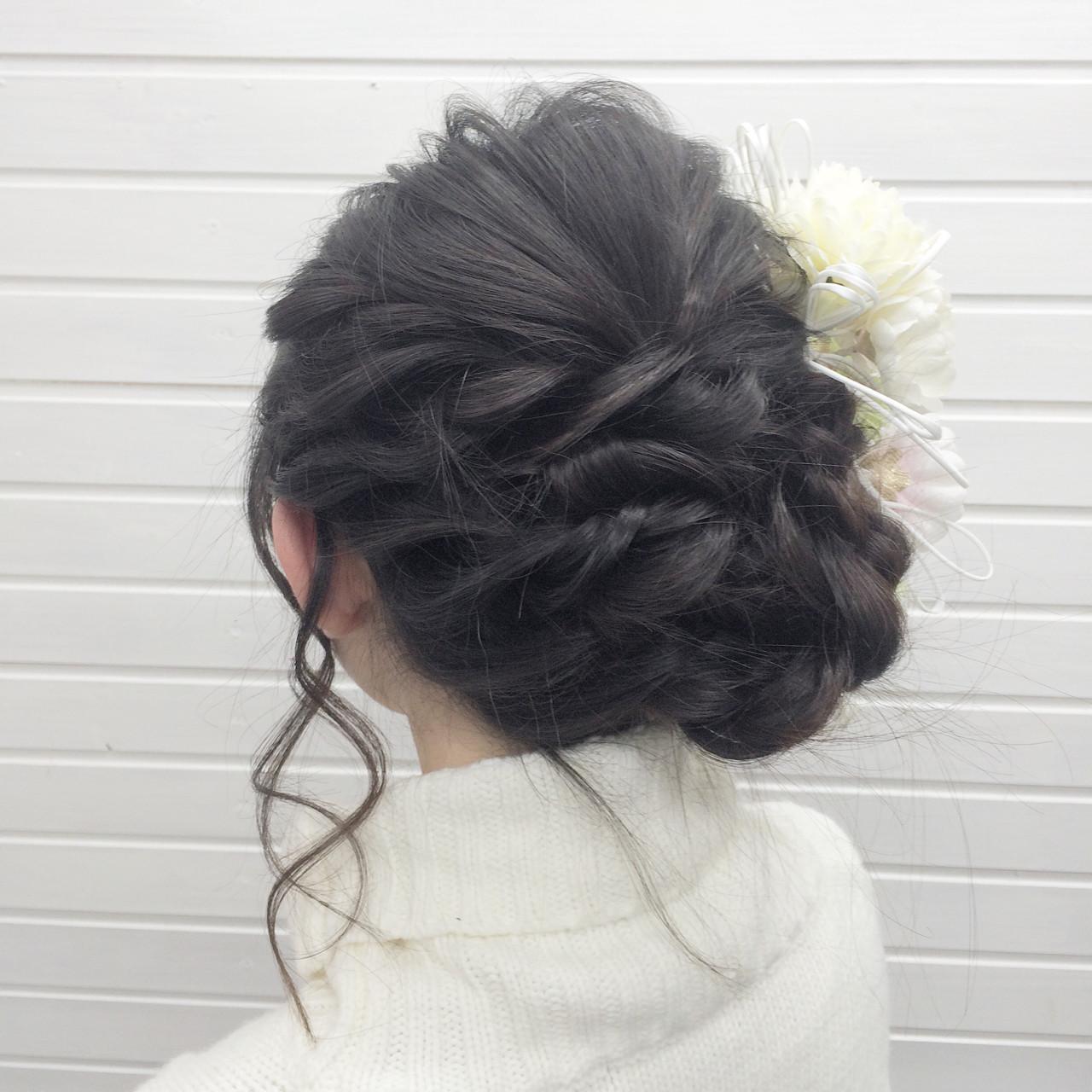 結婚式にピッタリのロングアップヘア universe