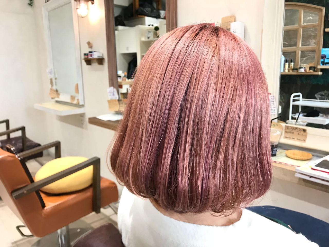 ストリート ピンク ダブルカラー ボブ ヘアスタイルや髪型の写真・画像