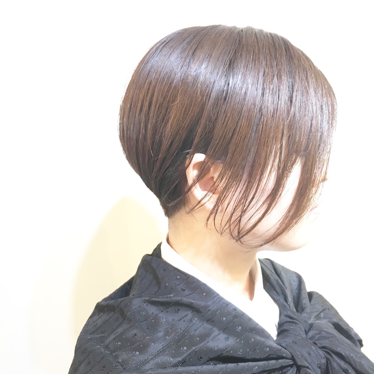 ショートボブ ブルージュ ナチュラル 外ハネ ヘアスタイルや髪型の写真・画像