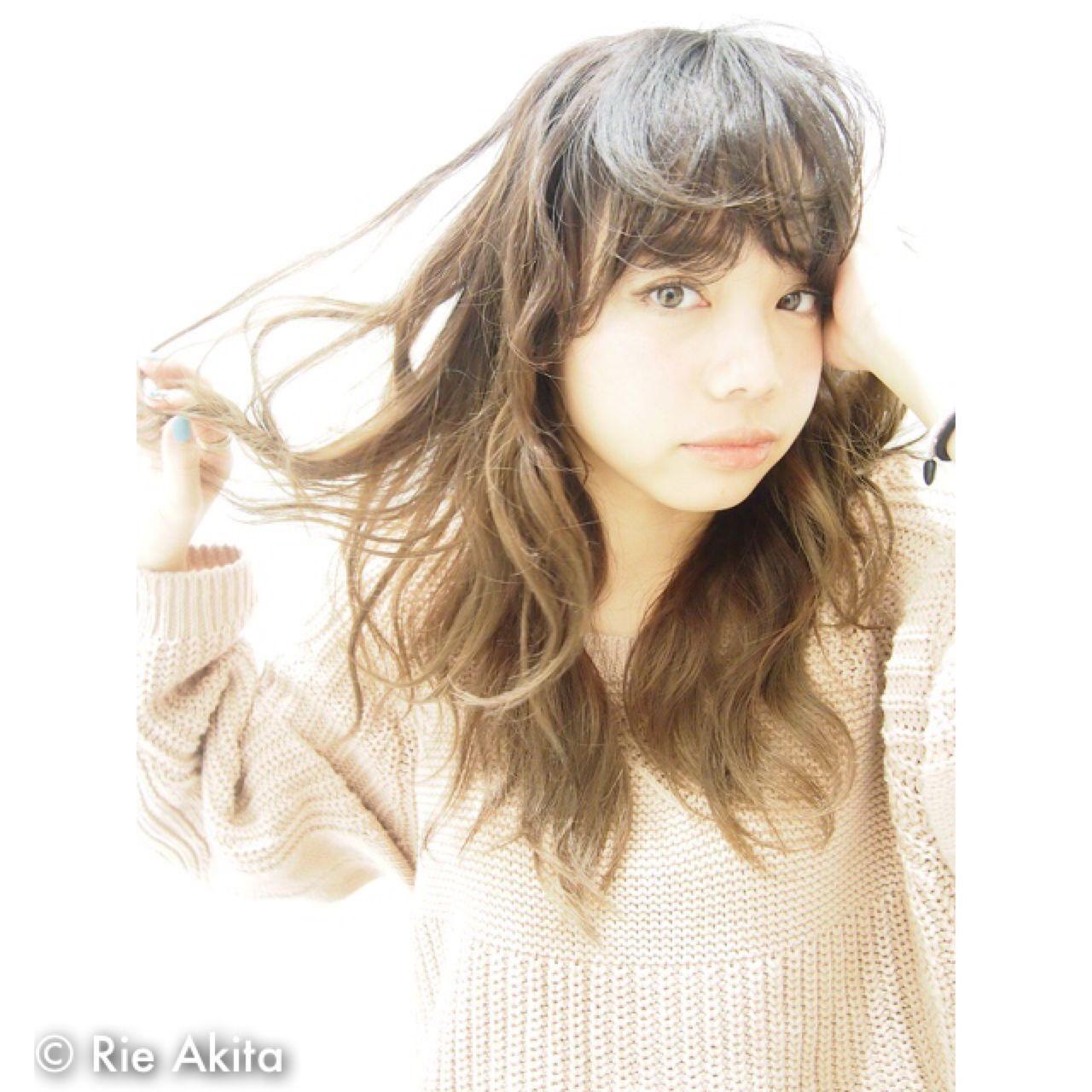 明るめロングヘア×レイヤーで軽やかに Rie Akita | LOAVE omotesando