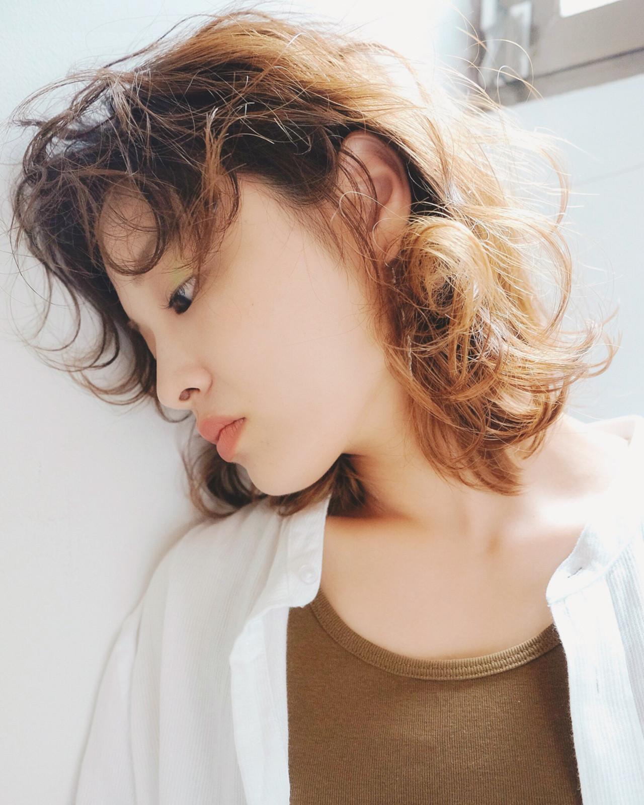 明るめなミディアムヘアならこなれ感UP! 柴田泰志 | magnethairTrust