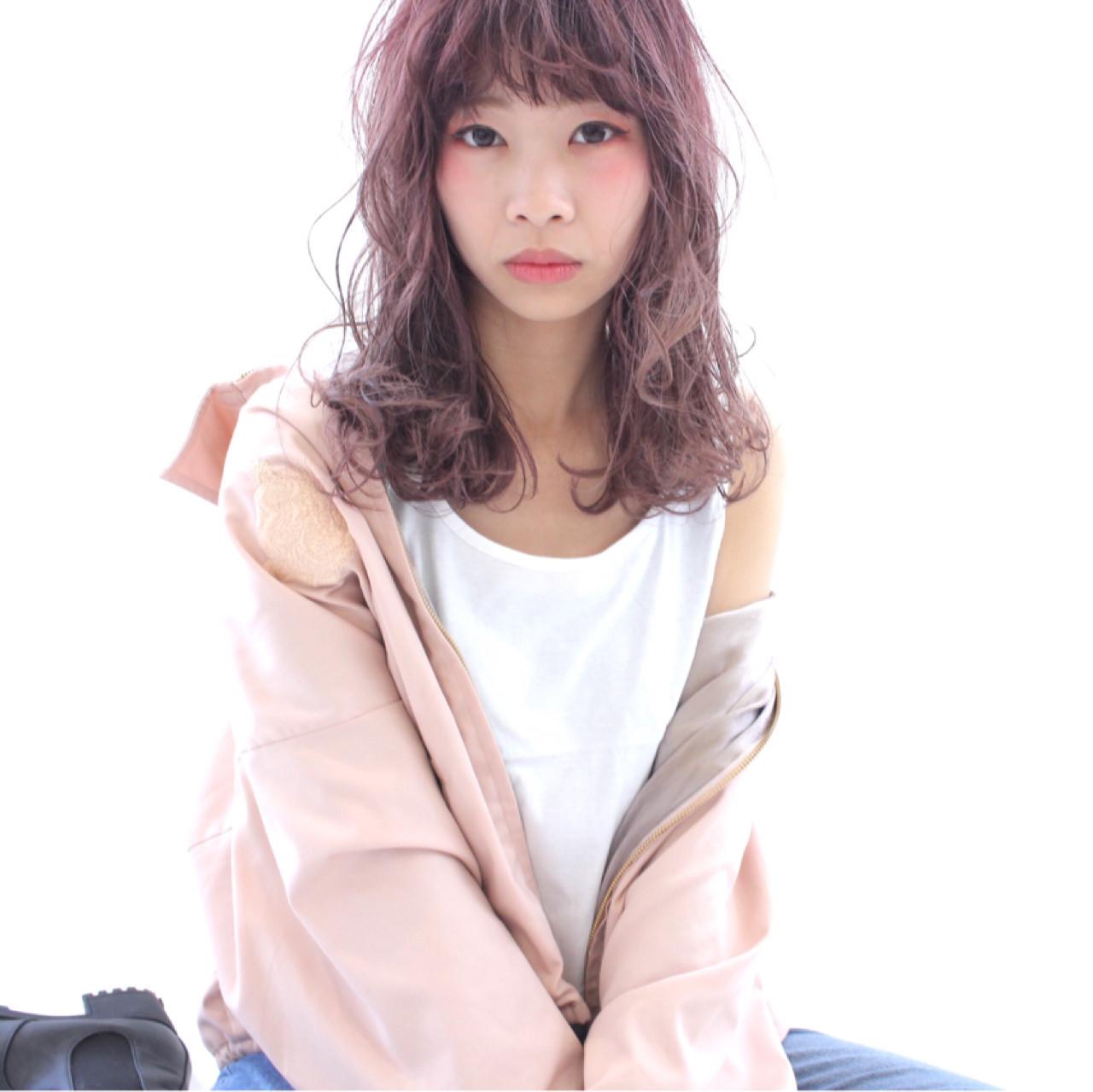 ブリーチして透明感のあるピンクベージュヘアに♡ 細野敬亮