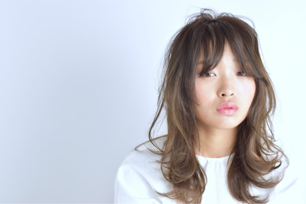 アンニュイ ロング レイヤーカット 外国人風 ヘアスタイルや髪型の写真・画像