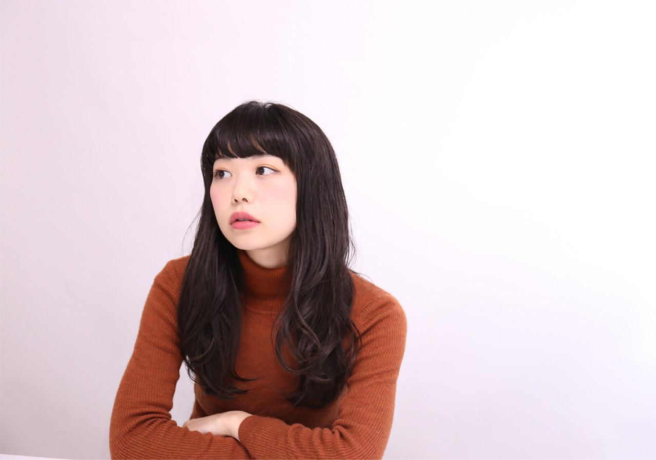 ゆるめのウェーブならふんわりと女性らしさUP! 神山 賢司 | muruchura (ムルチュラ)