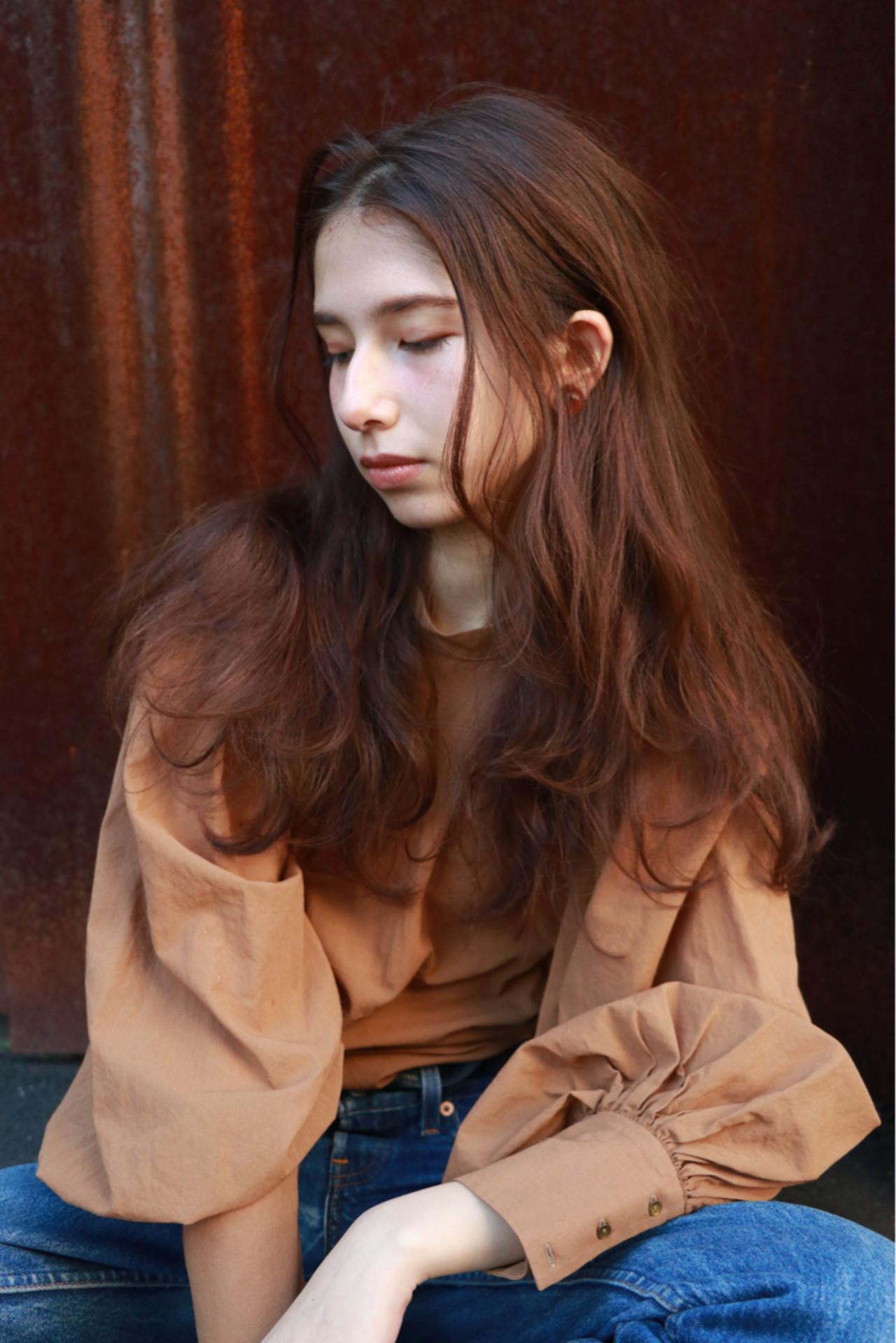 ナチュラル パーマ アプリコットオレンジ ウェーブ ヘアスタイルや髪型の写真・画像