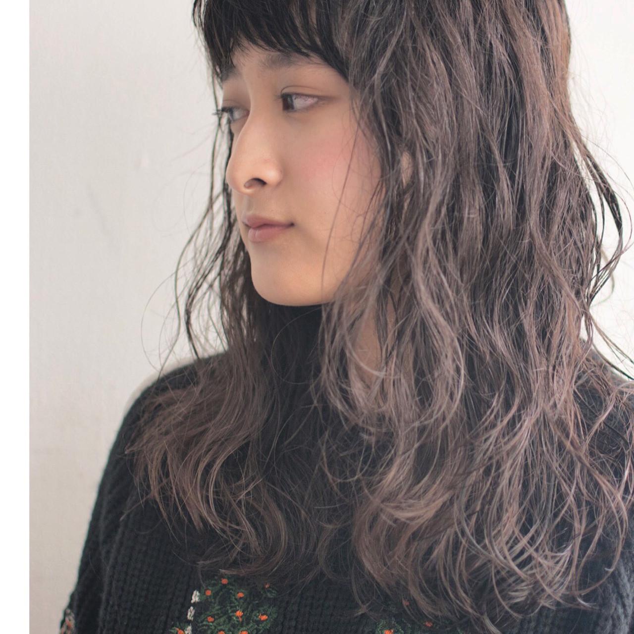 ウェーブ 外国人風 ナチュラル ロング ヘアスタイルや髪型の写真・画像