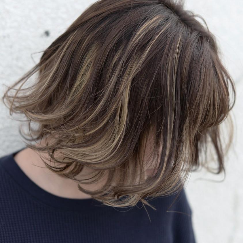 ミディアムのグラデーションカラー断然おしゃれで個性的 Hair