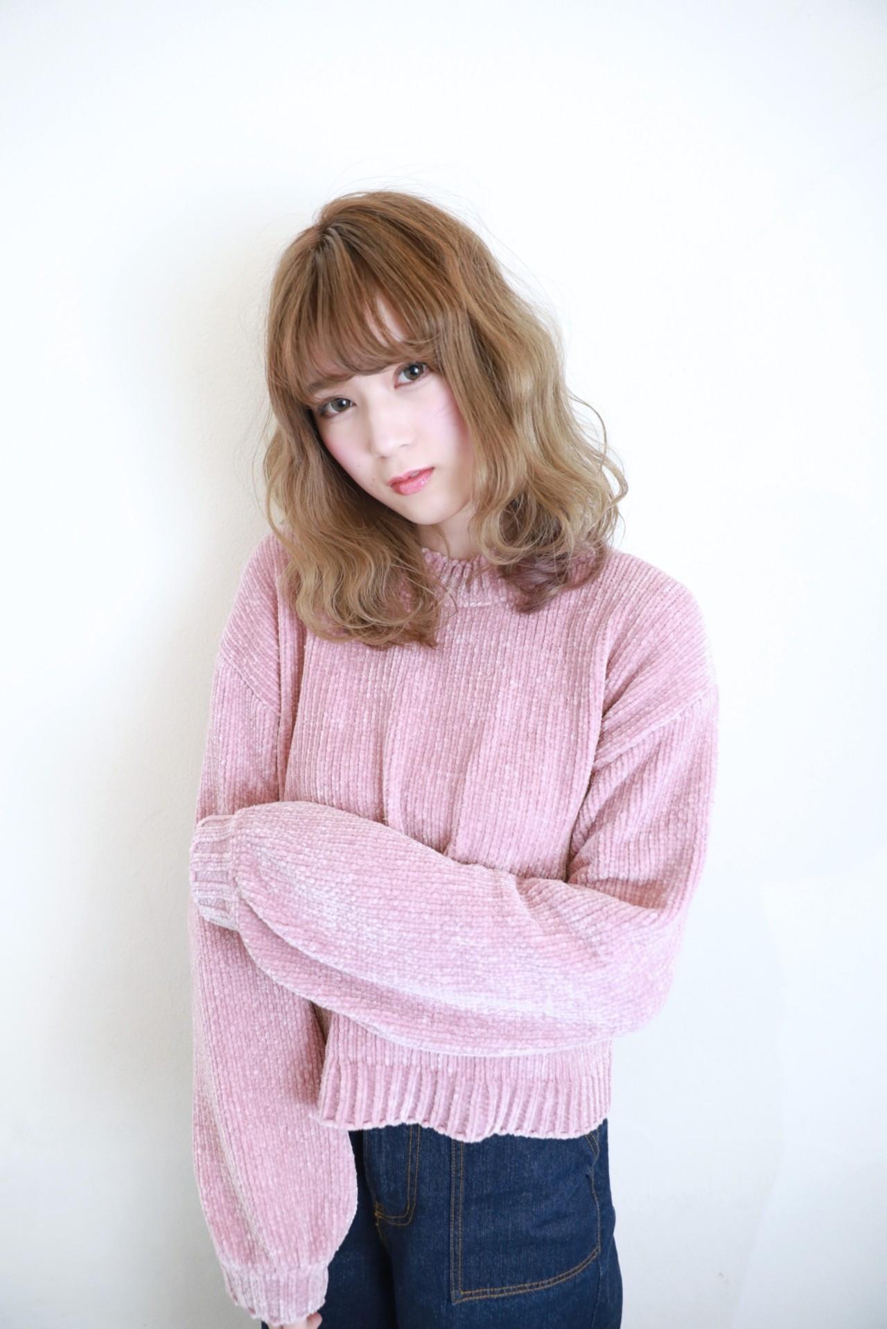 明るめカラー×ゆるふわウェーブは愛され感たっぷり♪ Naoko Miura | avant