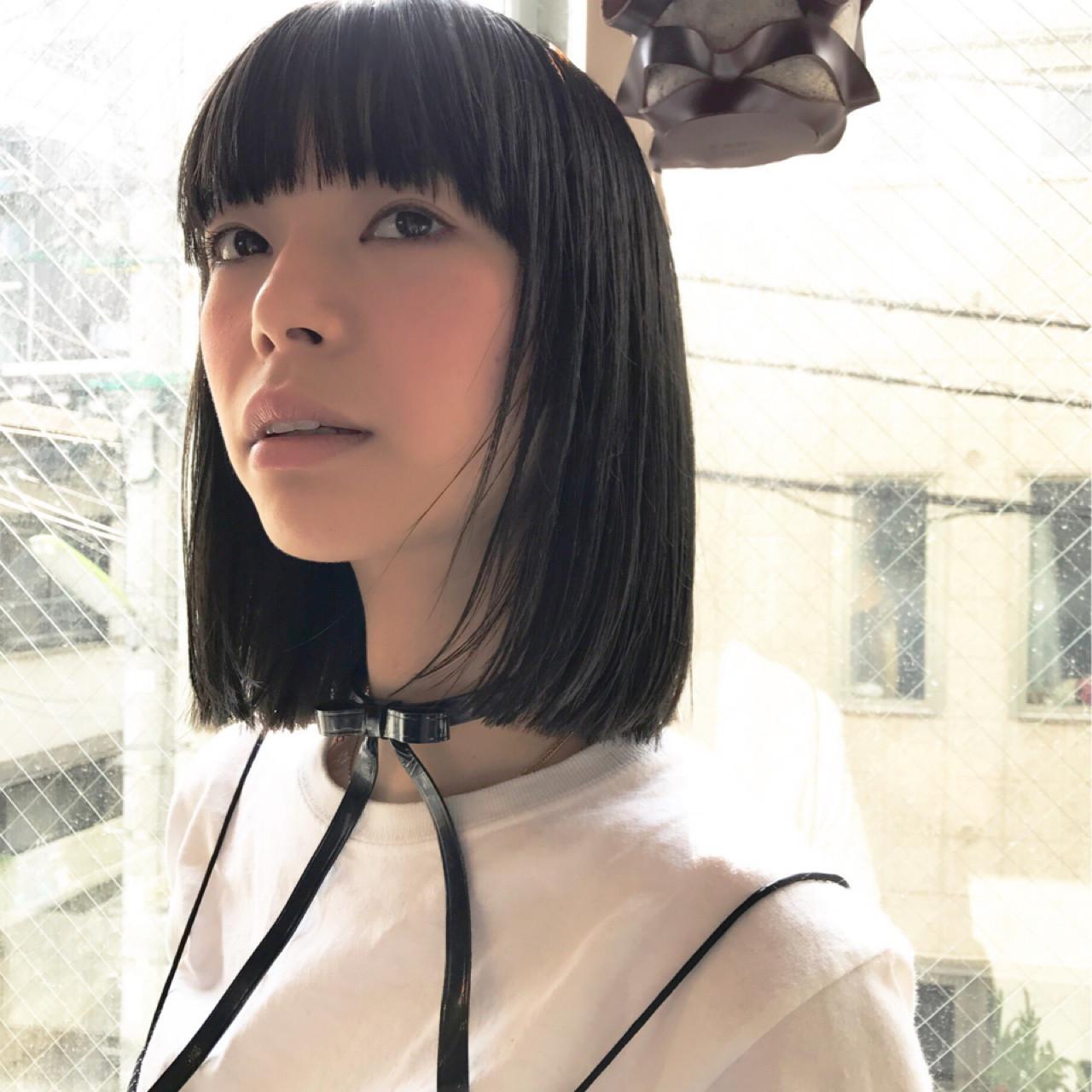 抜け感のある女性らしい黒髪ストレート Shinya_abiru
