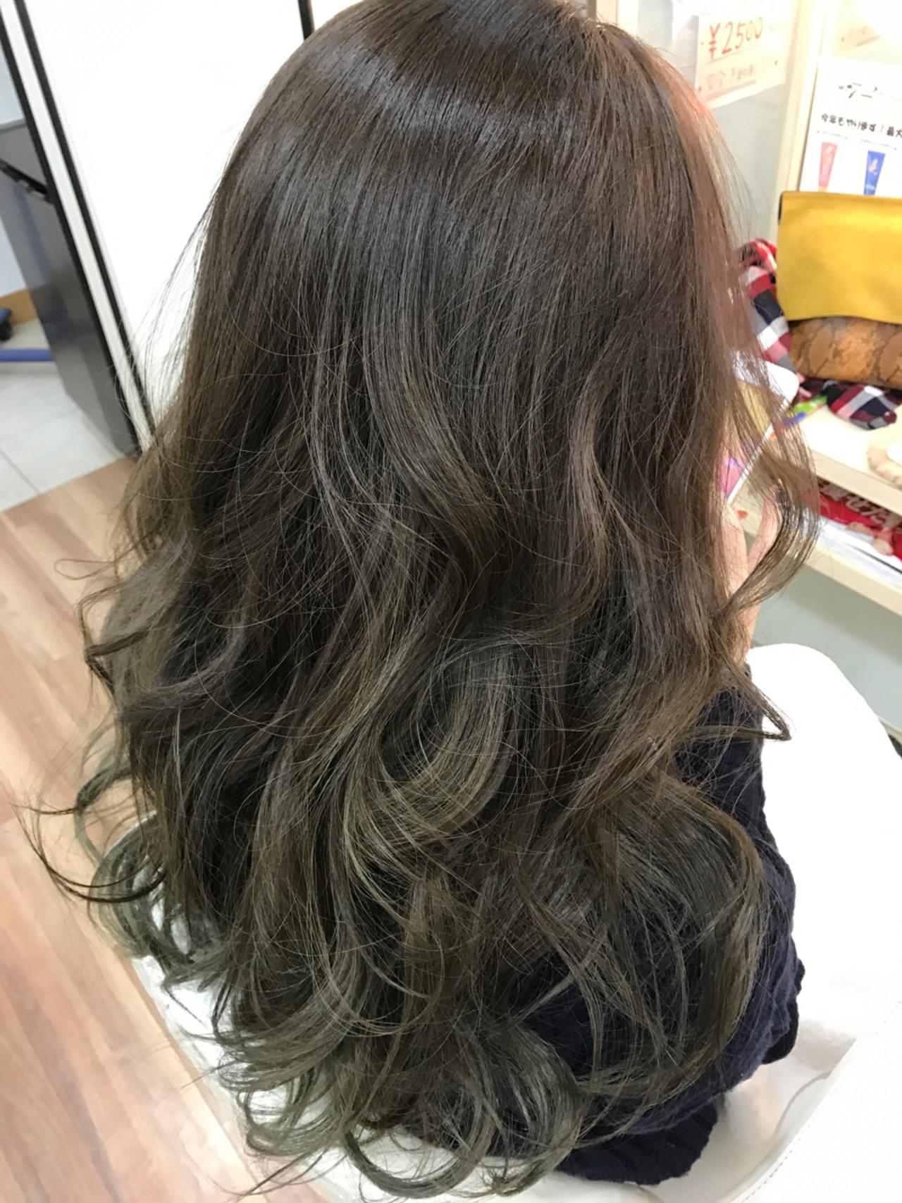 グレージュ 外国人風カラー ガーリー ロング ヘアスタイルや髪型の写真・画像