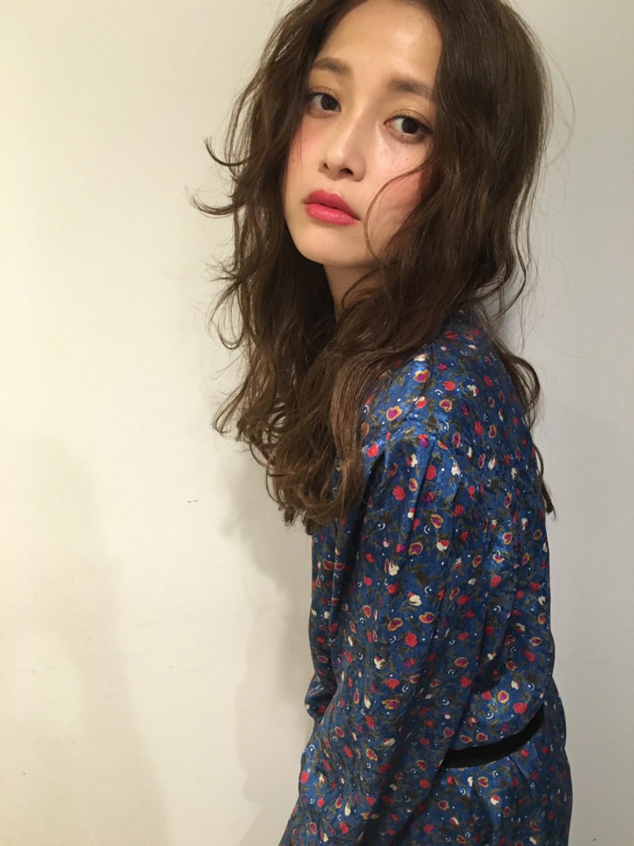 トレンドのセンターパートで大人ナチュラル♡ 渡会佳奈 | RUALA