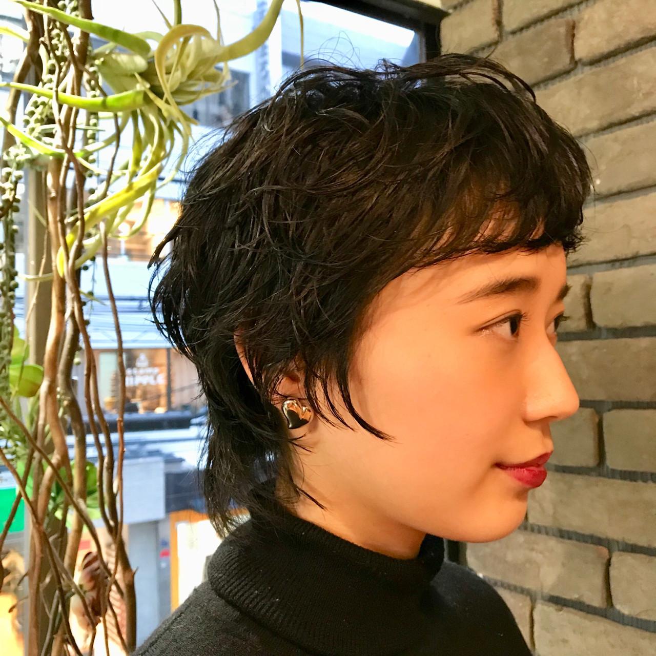 毛先にワンカールの黒髪ショートスタイル 谷川 健太