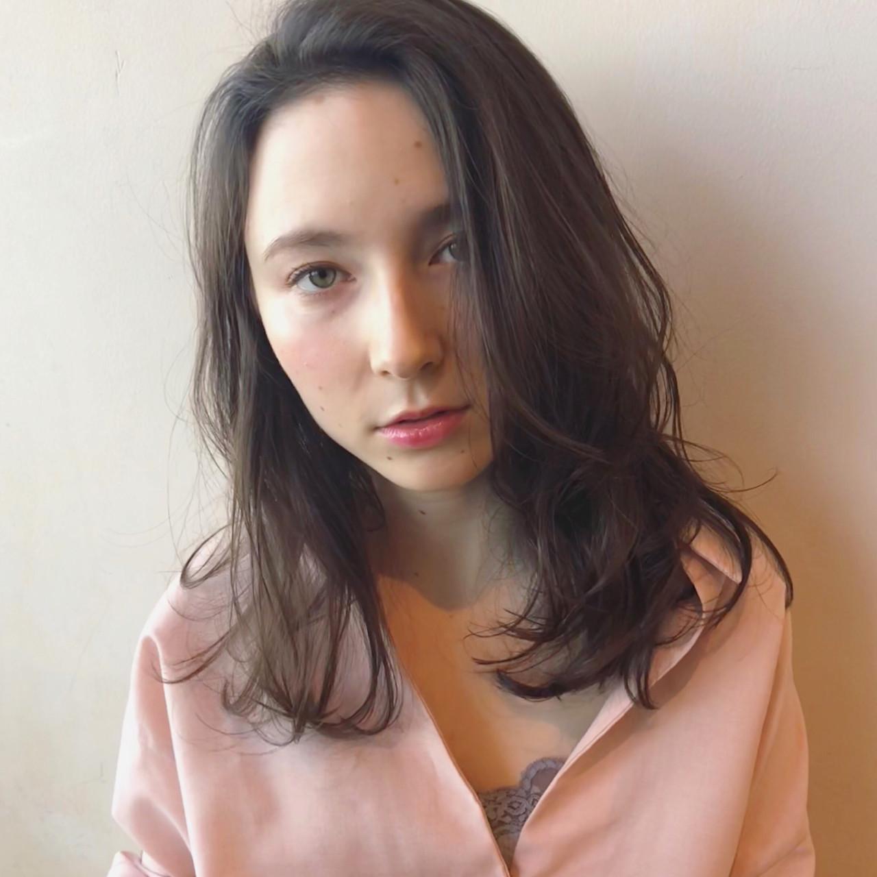 ざっくりかきあげバングの外国人風ヘア 古田 千明 // ZACC | ZACC vie