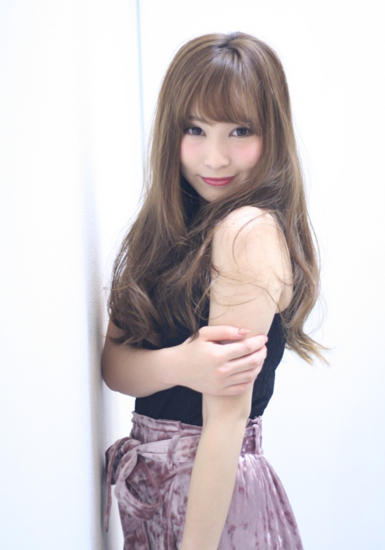 毛先を中心にミックス巻きでふわふわロング♡ Naoko Miura | avant