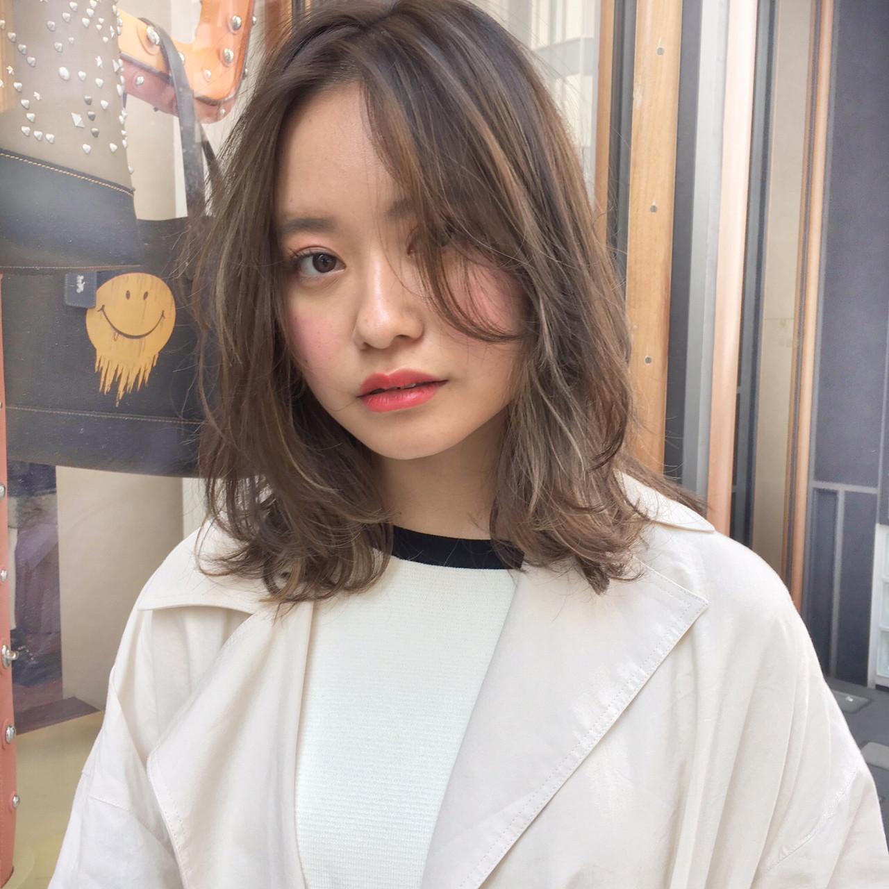 前髪で丸顔隠し!今っぽミディアムヘア ナガヤ アキラ joemi 新宿
