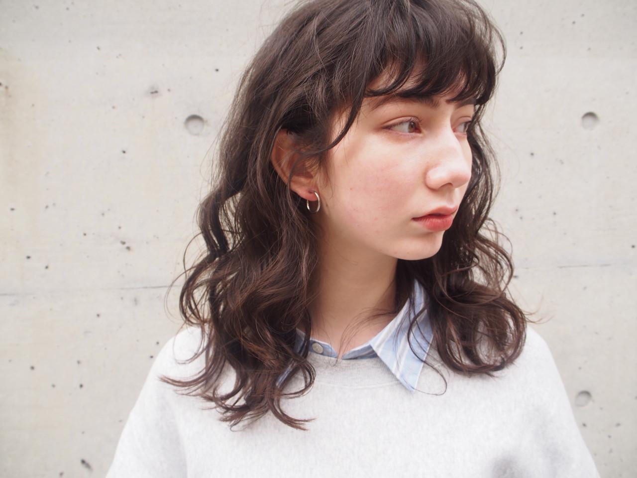 ナチュラル 黒髪 パーマ 簡単ヘアアレンジ ヘアスタイルや髪型の写真・画像