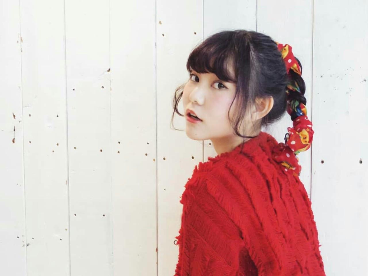 ポニーテールの毛束をそのまま三つ編みに♡ KUMA | hair make PUR