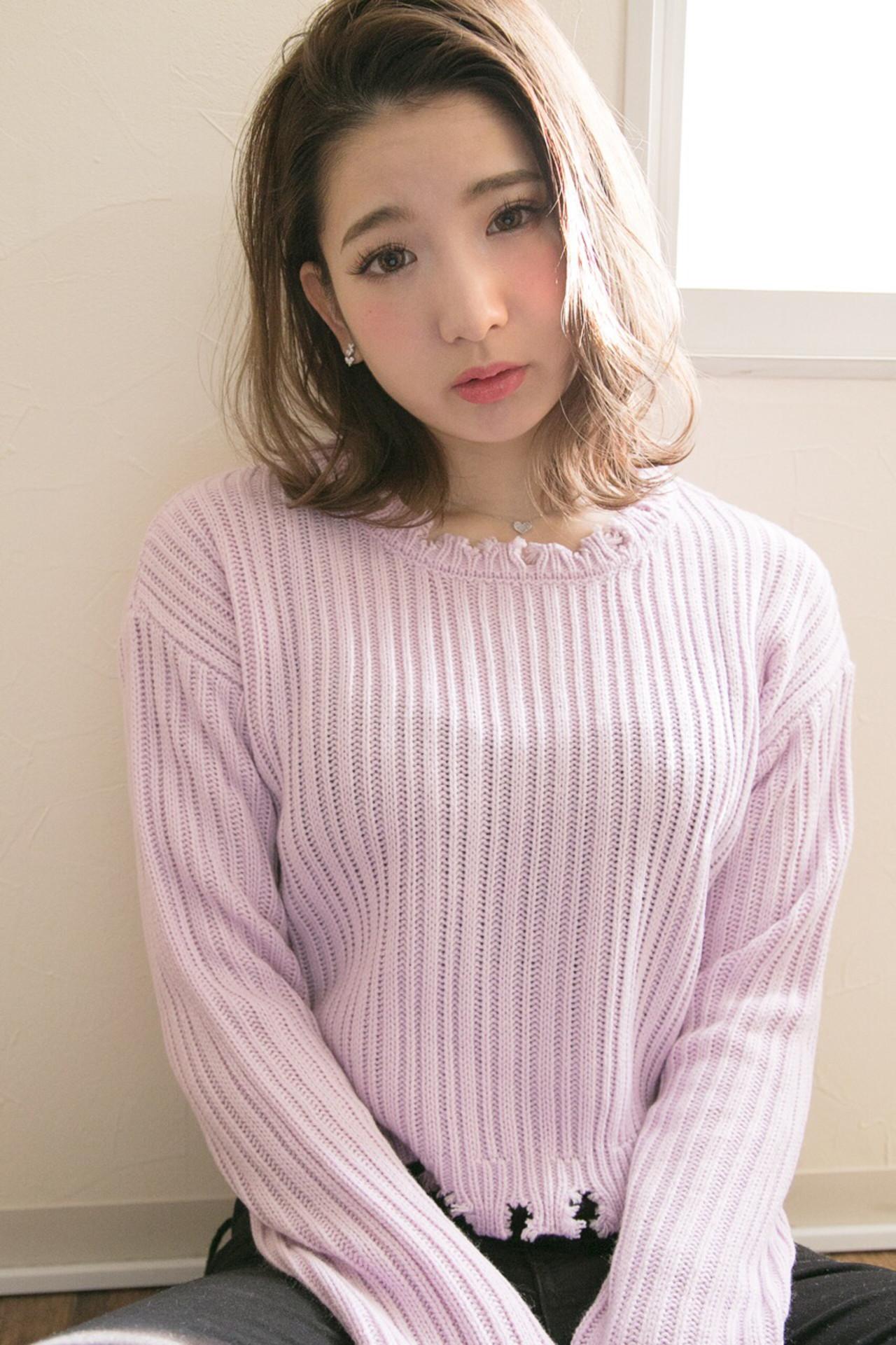 大人可愛い明るめアッシュベージュでお人形さん風♡ 廣長 毅 | Lull