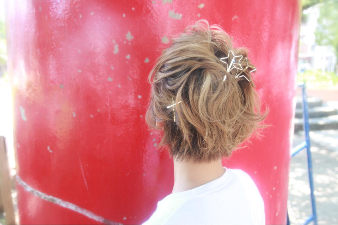 デザインの違うヘアアクセをランダムにつける 松谷 聖史 | estrela