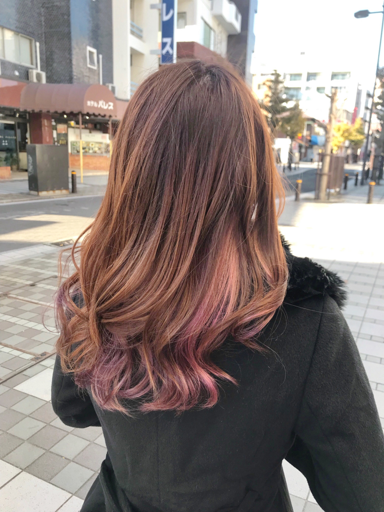パープルとピンクのモテ系グラデーションカラー 佐藤 拓弥